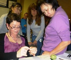 Máire demonstrates buttony